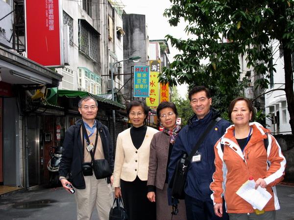 共40位來自歐、美、澳、亞地區餐福宣教士在台北街頭探訪!
